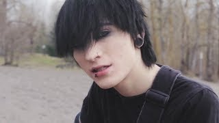 Смотреть клип Johnnie Guilbert - Lost My Sanity
