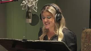 UglyDolls - Kelly Clarkson Broll (official Video)