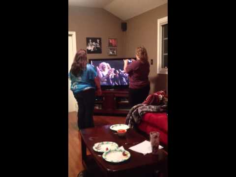 2013 VMA adults react to Justin timberlake and nsync
