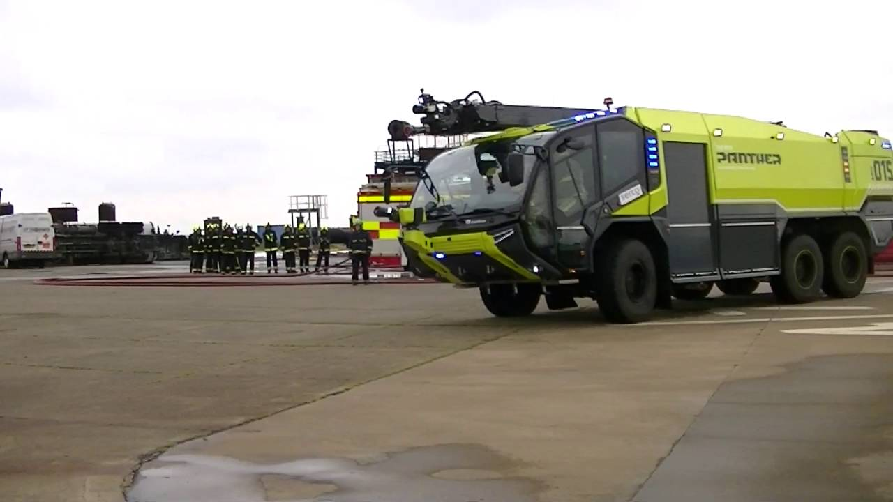 """dimaporo v hret 4,287 likes, 9 comments - rosenbauer group (@rosenbauergroup) on instagram: """"twins for shannon airport :) from mid-july, a pair of identical panther 6x6 with hret will be""""."""