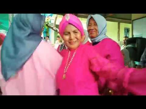 "Nenek Paling Gokil Jaman Now Lagu Dangdut "" Selingkuh "" Biduan Music Electone Balikpapan"