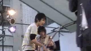2008年三田祭中庭ステージ.