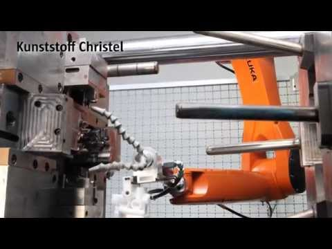 KUKA Small Robots for the Plastics Industry