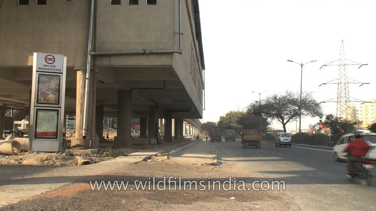 Mohan Estate (Delhi) metro station view from outside