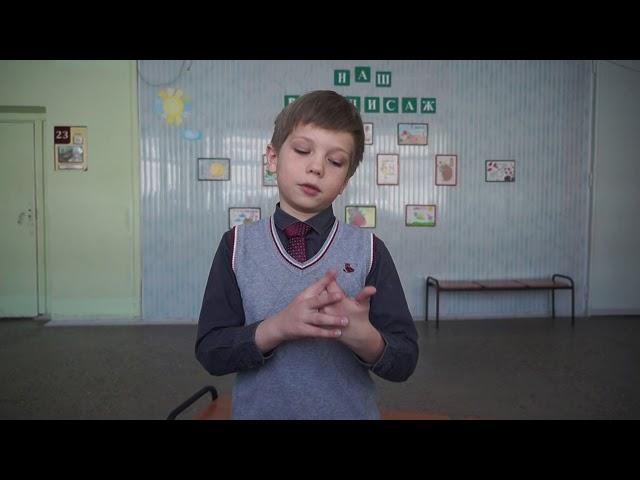 Изображение предпросмотра прочтения – ПавелСугоровский читает произведение «Сорока-ворона кашу варила» (Русский фольклор )