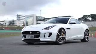 Jaguar F-Type Coupé R voa baixo em Interlagos [FULLPOWER Lap]