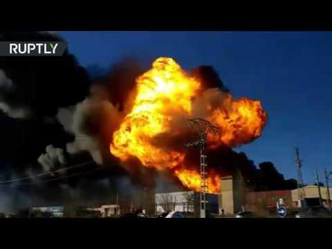 Huge blast rocks chemical plant in Valencia, Spain