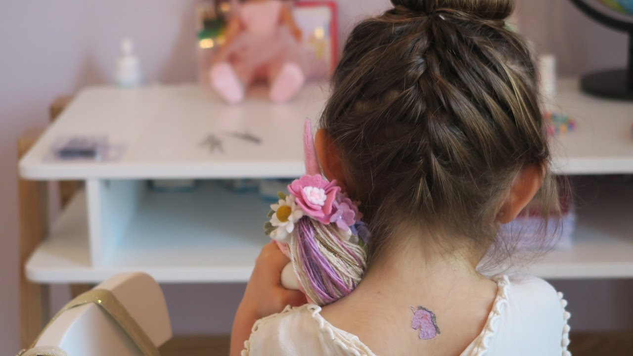 tutoriel coiffure enfant chignon tress youtube. Black Bedroom Furniture Sets. Home Design Ideas