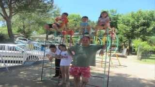 Video-resumen-Bungalow Feliz:ni un niño sin vacaciones.