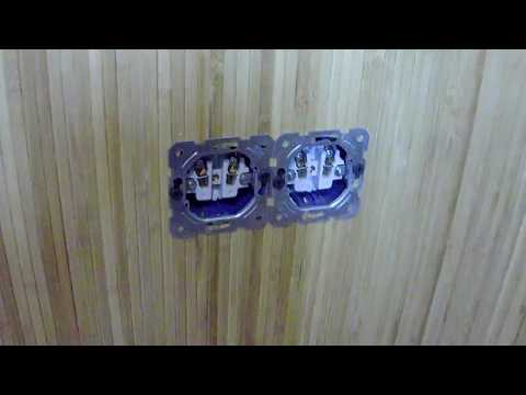 Бамбуковые обои клеим на стены.