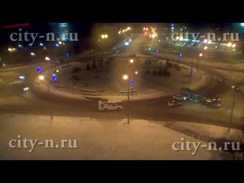 В Новокузнецке таксист взял трамвай на таран