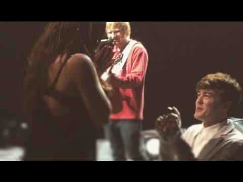 Ed Sheeran helps fellow musician propose to girlfriend on stage