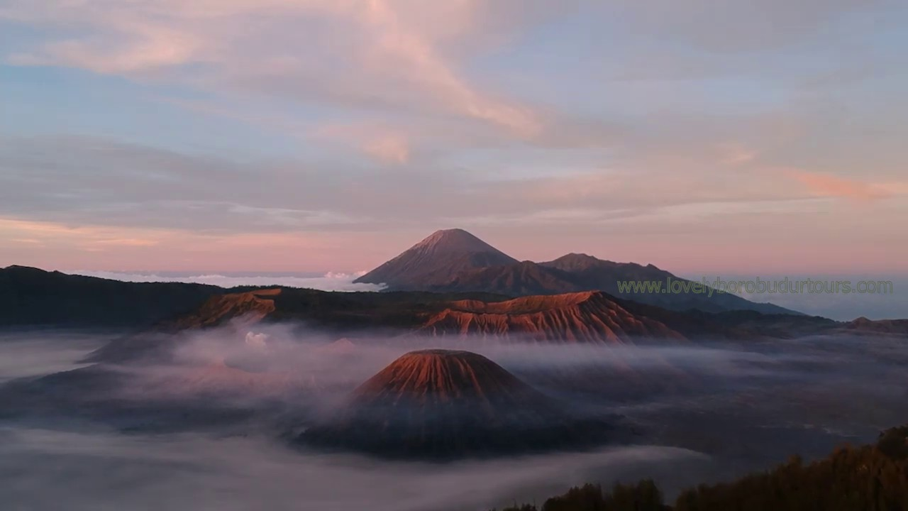 Go Vacation Indonesia With Lovely Borobudur Tours Travel The More Traveling Achipelago The More Knowing Indonesia
