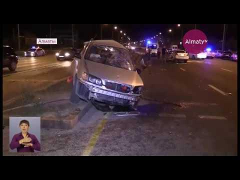 В Алматы три человека погибли в жутком ДТП (26.07.17)