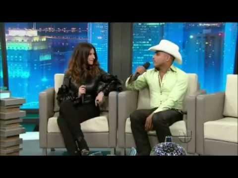 Don Fransisco Presenta - Laura Pausini & Espinoza Paz thumbnail