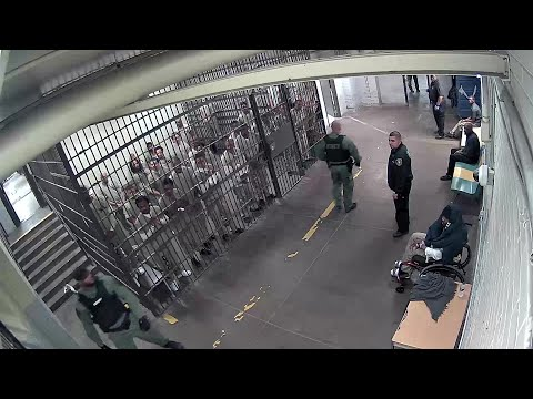 Cook County Jail Inmates Clap For Suspect In Cop's Murder