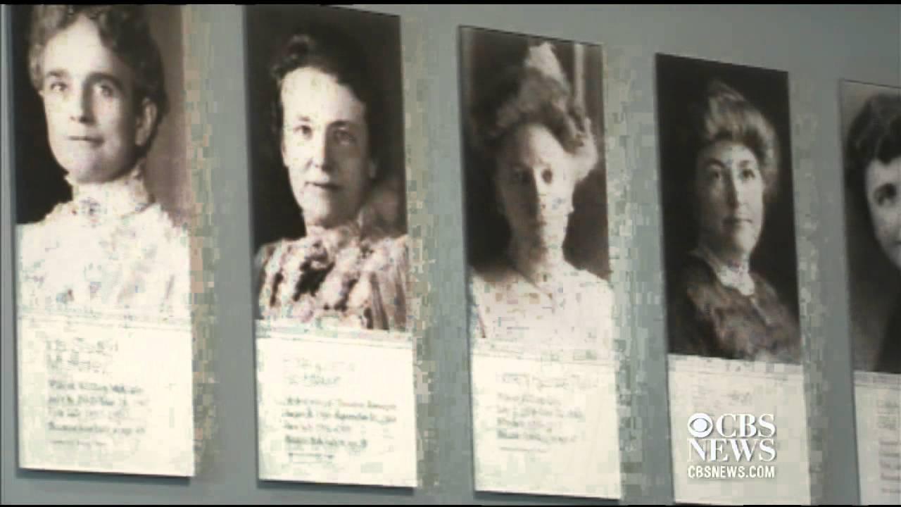 Sneak peek at Smithsonian new First Ladies' exhibit