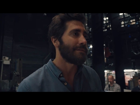 Did You Know Jake Gyllenhaal Could Sing Like THIS?