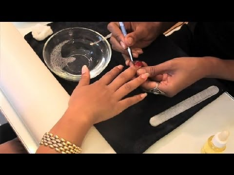 How Nail Technicians Do Manicures : Nail Painting ...