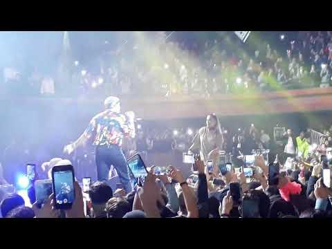Bad Bunny Ft Karol G  #Ahora Me Llama  #caupolican2017 #Santiago De Chile