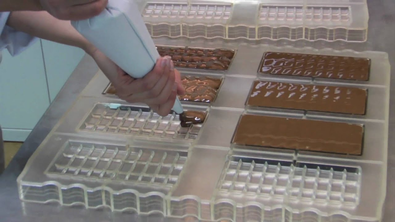 schwermer schokolade zartbitter herstellung produktion di t confiserie pralinen marzipan youtube. Black Bedroom Furniture Sets. Home Design Ideas