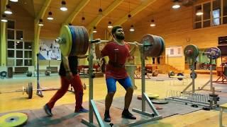 Яркин - приседания 245 на 2 на 3 вес 80 кг