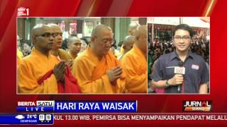 Jokowi Hadiri Puncak Perayaan Tri Suci Waisak di Candi Borobudur