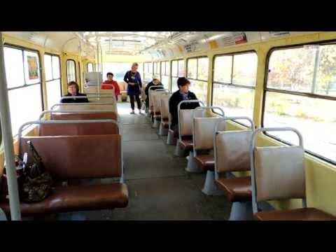 Рельсы, вагон, девушки. Как отправляют в рейс скоростные трамваи Волгограда
