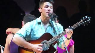 Jonas Brothers : Hesitate Live at Madison Square Garden