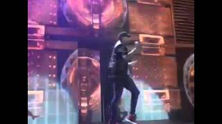 Video CHRIS BROWN #BREEZY DANCE LIVE IN 02/12/2015 download MP3, 3GP, MP4, WEBM, AVI, FLV Agustus 2018