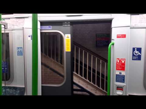 D78 Stock London Underground District Line: Earl's Court to Stepney Green (Long Journey)