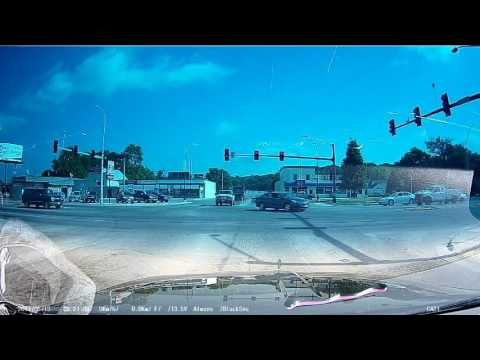 Loose trailer rolls through intersection in Sioux City, Iowa  USA