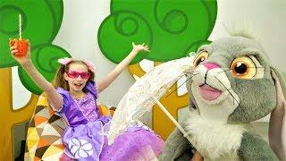 София Прекрасная - Видео для девочек - В поисках дома для Клевера thumbnail