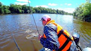 ВСЯ РЫБА в ТАКОМ месте! Отличный клёв в жару! Рыбалка на джиг летом! Судак, щука, окунь!