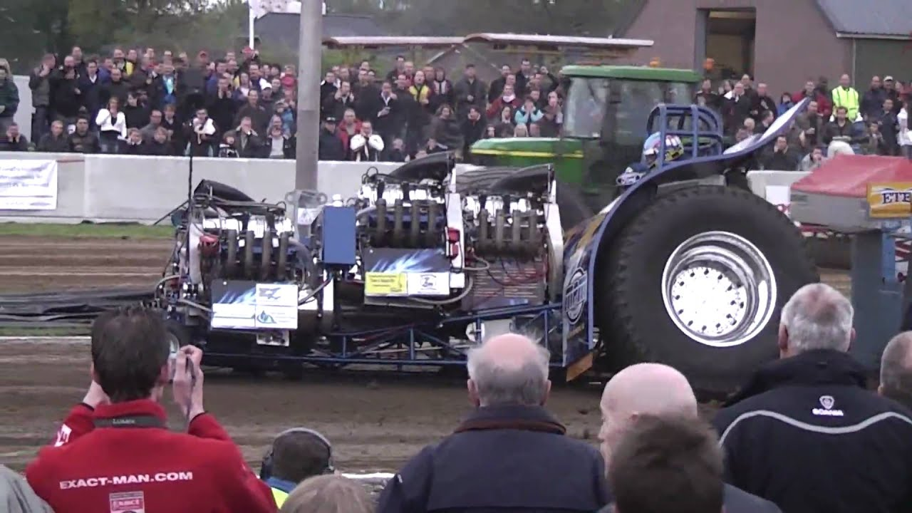 Tractor Pulling Accidents : Tractor pulling crash mpm seaside affair loose rear