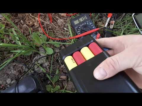Подключаю зарядку от телефона напрямую к солнечной батареи.