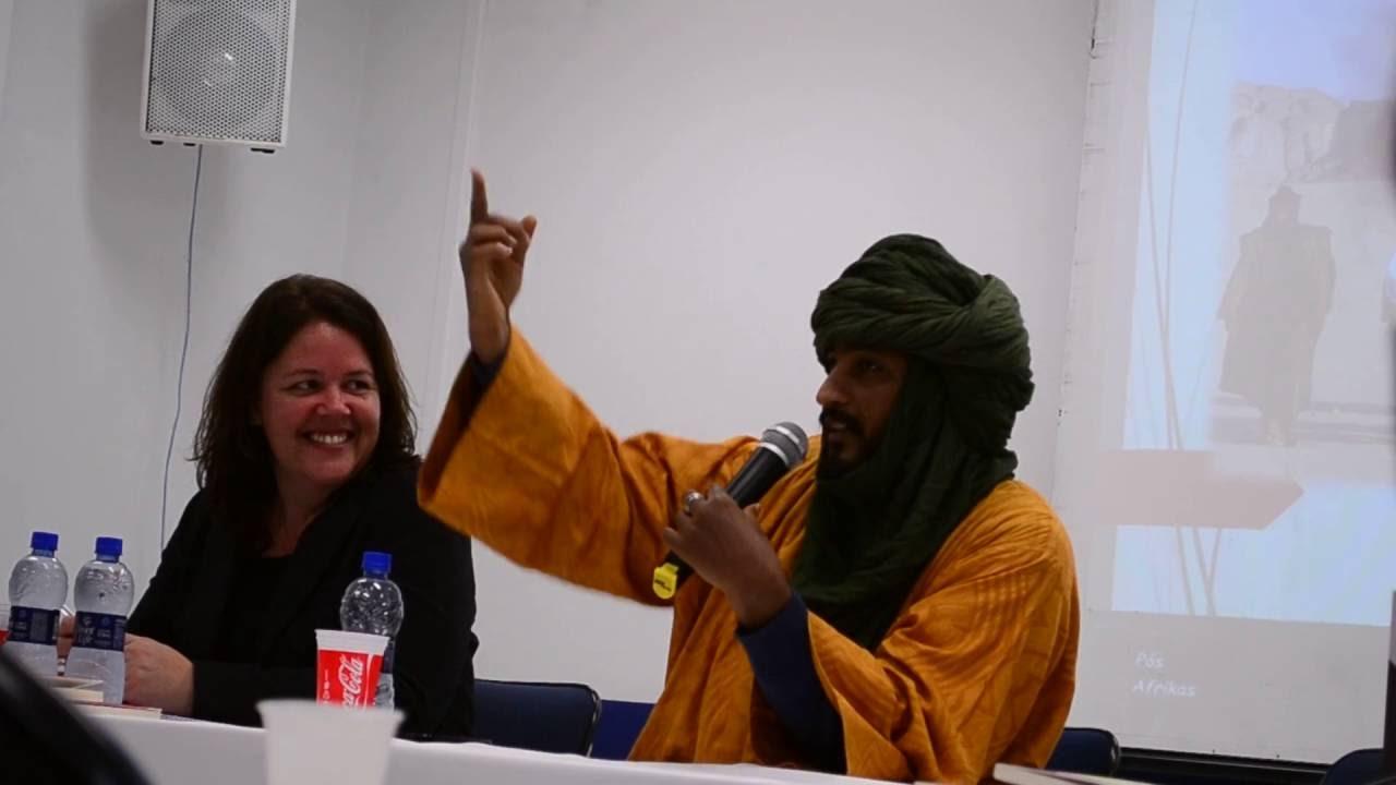 Mahfouz Ag Adnane falando sobre a representação Tuareg na música brasileira