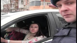 26.02.2016 Задержание маздаводки Леночки после совершения ДТП (Ижевск)
