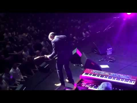 Joe Bonamassa - Love Aint A Love Song