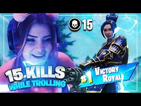 I GOT 15 KILLS WHILE TROLLING! (Fortnite: Battle Royale) | KittyPlays
