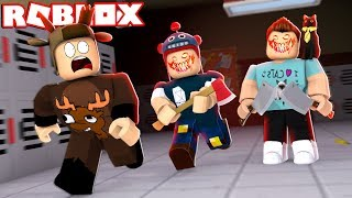 RUN AWAY VON DEN EVIL YOUTUBERS IN ROBLOX!