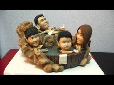 family-of-4-figurines-soaking-in-japanese-spa-bath---www-unusually-com-sg