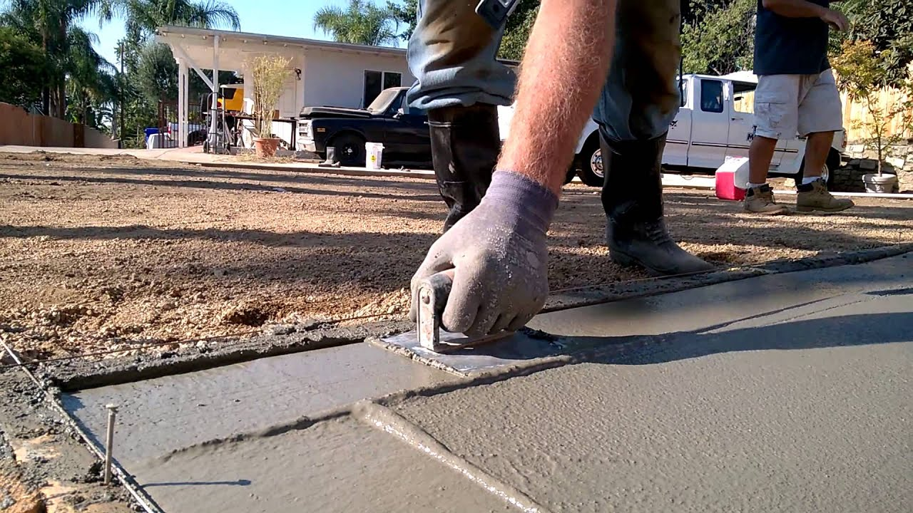 Concrete Patio Slab: Edging Technique - YouTube