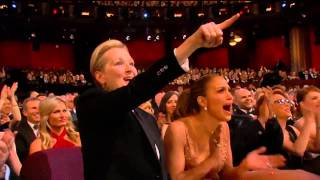 Repeat youtube video Meryl Streep loves Patricia Arquette's OSCAR Speech 2015