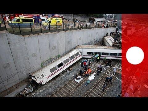 España sufre el peor accidente de tren en 40 años