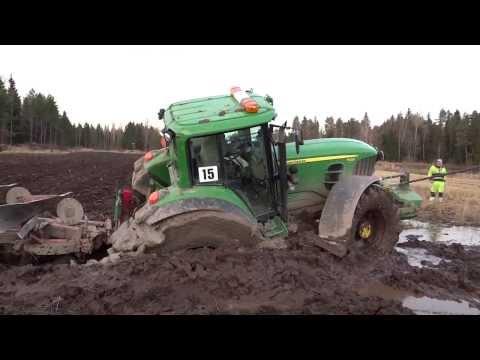 John Deere stuck in mud | utknął w błocie