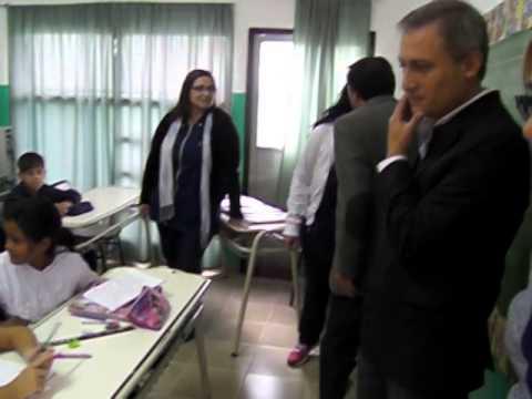Intendente Esteban Avilés en la escuela Mariette Lydis