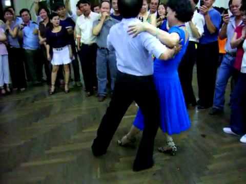 Tango lớp 4 bài 2 vũ sư Lê Nguyệt