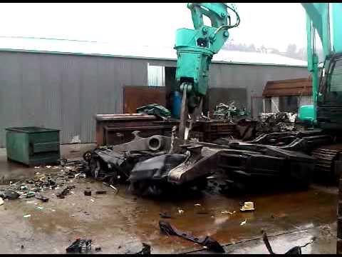 Onekawa Kobelco Car Dismantler.3GP