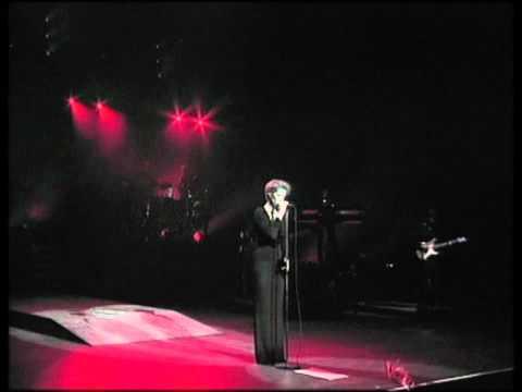 Celine Dion - Quand On N'a Que L'amour (Live A Paris 1995) HD 720p